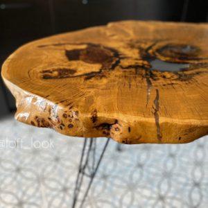 Кухонный стол из капового спила дуба