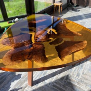 янтарный столик